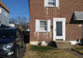 2 Bedrooms Bedrooms, ,1 BathroomBathrooms,Single Family Home,For Sale,1322